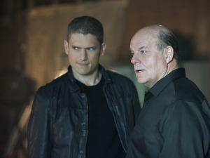 "Leonard ""Captain Cold"" Snart and Lewis Snart, The Flash www.bustle.com"