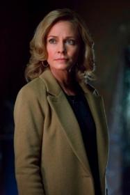 Moira_Queen_Arrow_TV_Series_003